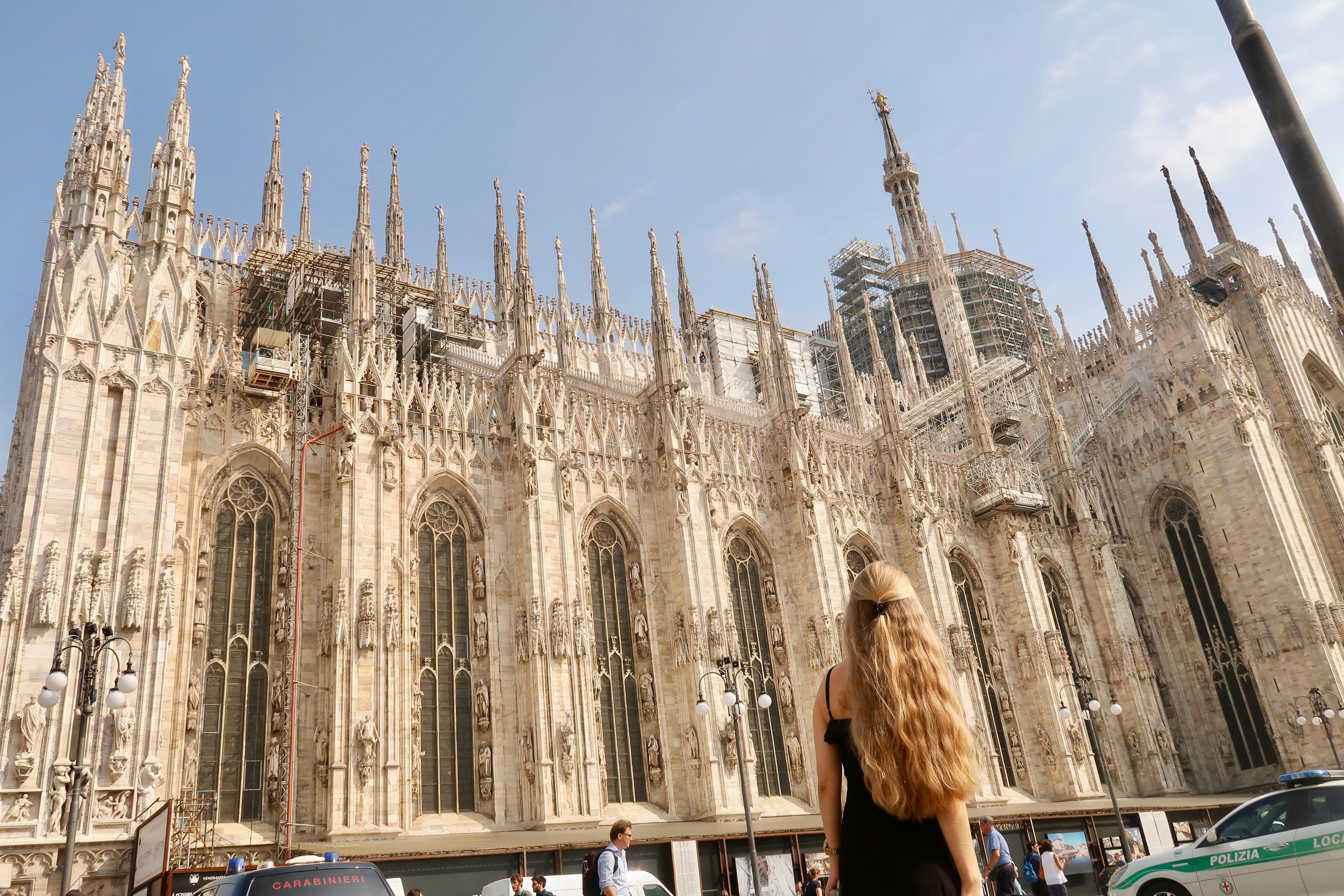 Mailand: die Nebenansicht vom Dom ist ebenfalls atemberaubend!