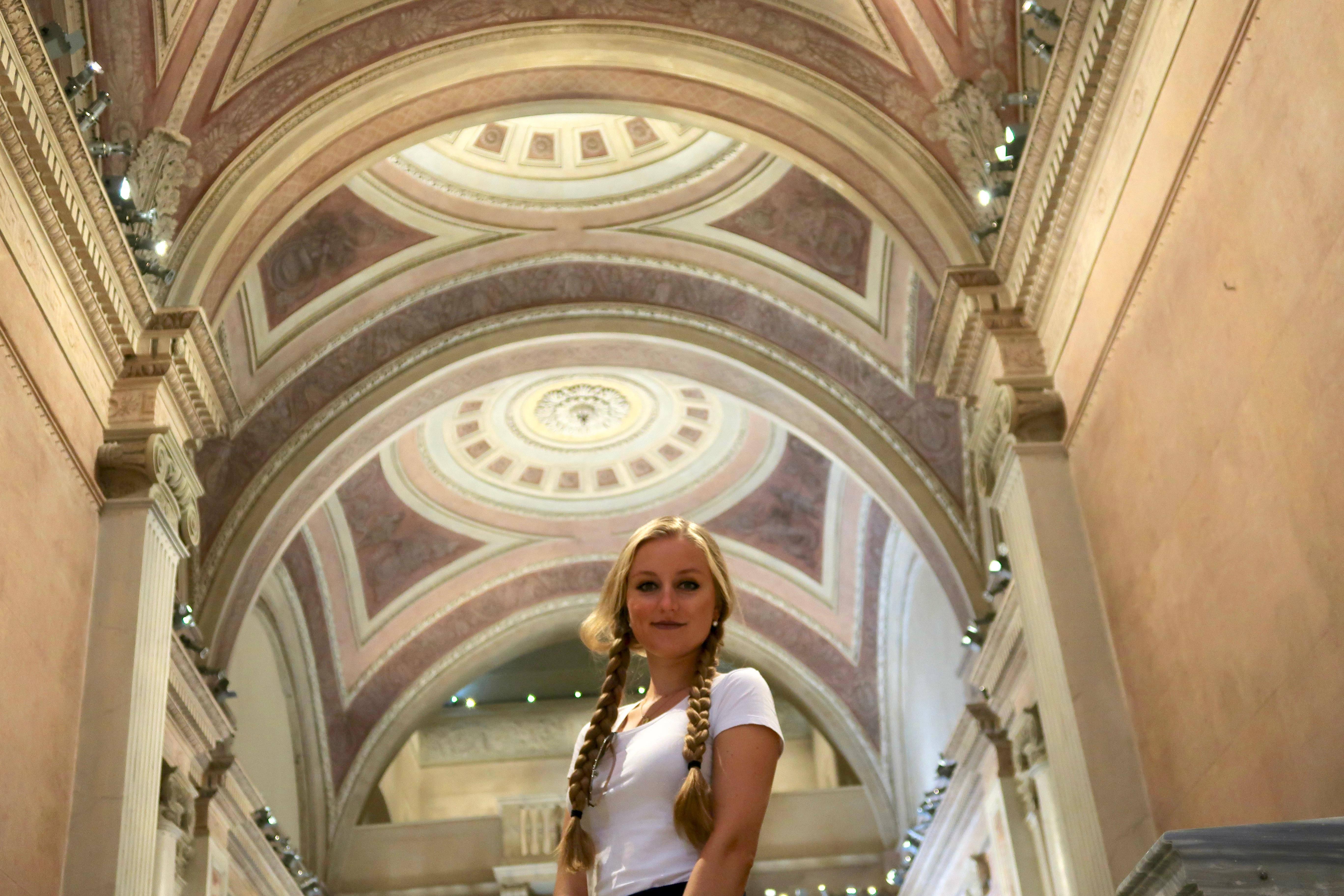 Mailand: eine wunderschöne Decke in der San Gottardo Kirche im Dommuseum