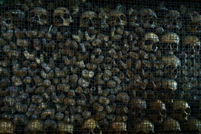 Mailand: Chiesa di San Bernardino alle Ossa / Knochenkirche (eine Nahaufnahme auf die Schädel und Oberschenkelknochen)