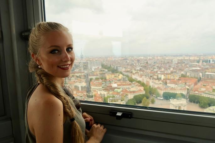 Mailand: Aussichtsturm Torre Branca (in 97 Meter Höhe hast du eine wunderschöne Rundum-Aussicht über ganz Mailand)