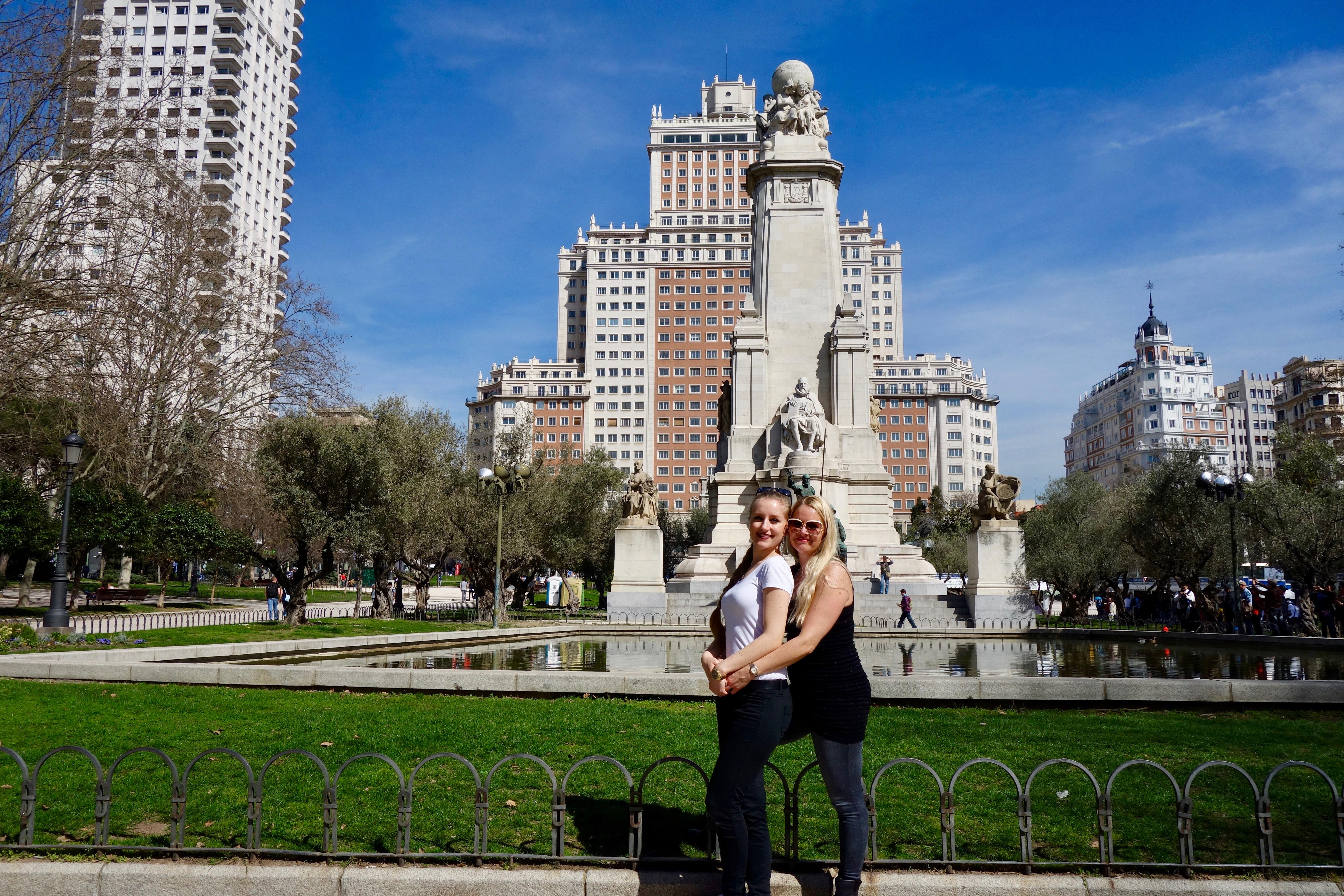 Madrid: Plaza de España mit meiner Mutter (sie hat mich in den letzten paar Tagen besucht)